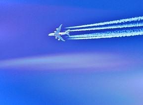 aircraft-862216_640