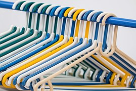 clothes-hangers-582212__180