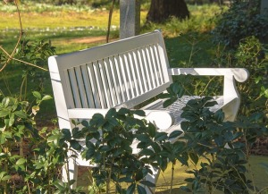 garden-bench-455343_640