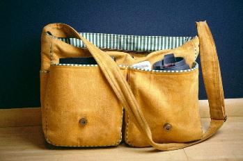 satchel-925459_960_720