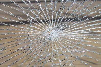 glass-breakage-286098_640
