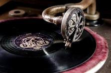 vinyl-761592_640